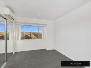 Bedroom 1-Gold Key Realty-4_222_Franklin_Street_Annerley QLD4103
