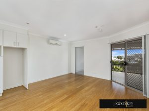 Living-Gold Key Realty-4_222_Franklin_Street_Annerley QLD4103